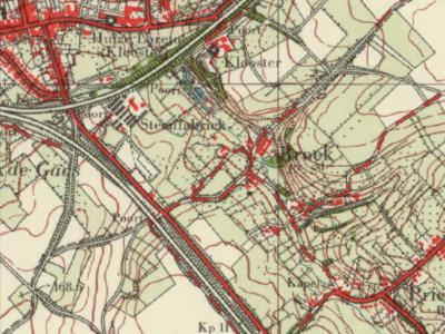 Tot in de jaren zestig is er rond de grens van de gemeenten Bocholtz en Simpelveld alleen sprake van een buurtschap Broek, die op grondgebied van beide gemeenten ligt, te zien aan de aanduiding Bz en Sd onder de plaatsnaam. (© Kadaster)