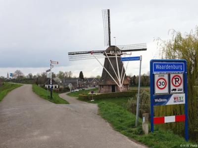 Waardenburg is een dorp in de provincie Gelderland, in de streek Betuwe, gemeente West Betuwe. Het was een zelfstandige gemeente t/m 1977. In 1978 over naar gemeente Neerijnen, in 2019 over naar gemeente West Betuwe.