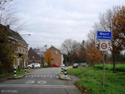 Weert is een buurtschap in de provincie Limburg, in de streek Heuvelland, in grotendeels gemeente Meerssen, deels gemeente Maastricht. T/m 1981 tevens deels gemeente Bunde (in 1982 over naar gemeente Meerssen).