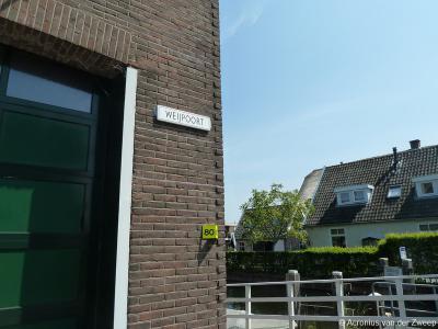 Weijpoort is een buurtschap in de provincie Zuid-Holland, gemeente Bodegraven-Reeuwijk. T/m 2010 gemeente Bodegraven. De buurtschap heeft geen plaatsnaamborden, waardoor je slechts aan de gelijknamige straatnaambordjes kunt zien dat je er bent aangekomen.