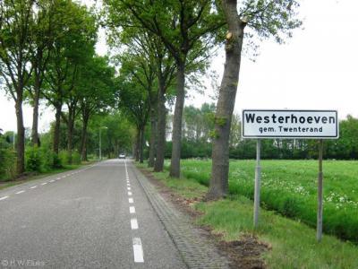De huidige buurtschap Westerhoeven, zoals die er tegenwoordig uitziet, is een jonge nederzetting, ontgonnen in de jaren veertig van de 20e eeuw. Vanouds gemeente Vriezenveen, sinds 2001 gemeente Twenterand.