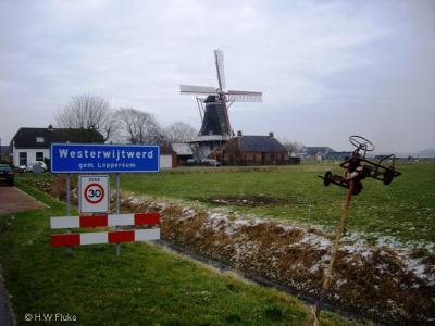 Entree van het dorp Westerwijtwerd, aan de kant waar stellingmolen Zeldenrust staat