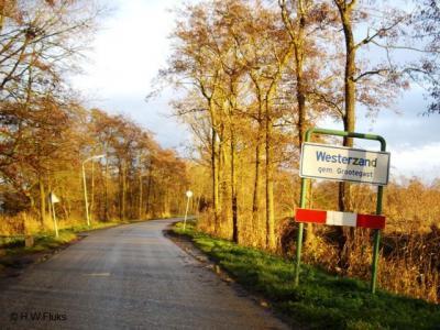 De buurtschap Westerzand valt onder het dorp Sebaldeburen en ligt in de gemeente Westerkwartier (t/m 2018 gemeente Grootegast)