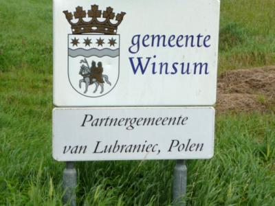 Prachtige borden toch? Hint: we hopen dat deze als cultuurhistorisch element blijven staan als de gemeente Winsum in 2019 opgaat in de gemeente Het Hogeland...